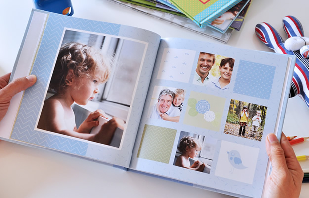 Fotolibro Familia y Niños - Sky & Grass Celeste - Descarga gratis