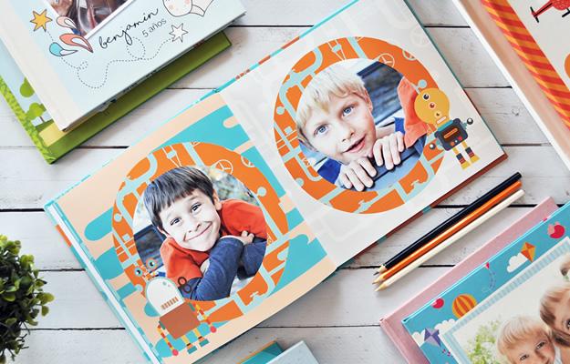 Roboticons. Diseño de fotolibro infantil para descargar gratis y completar con tus fotos!