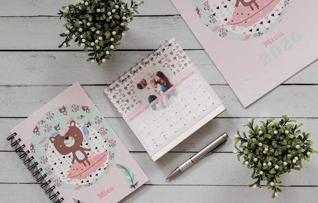 Boho Camp. Diseño de calendario personalizado de escritorio para descargar gratis y completar con tus fotos en el soft de compu!